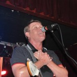 Dave Wakeling singing &quot;I Confess&quot; - Photo by Elizabeth Lynch